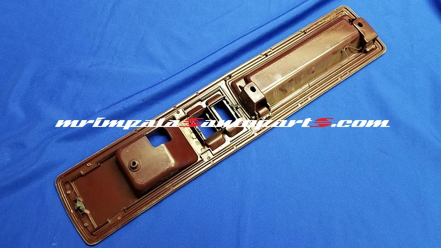 91-93 Roadmaster Door Pullstrap & Bezel Right Front RUBY RED