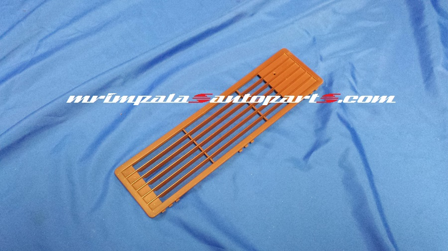94-96 Chevy Caprice,9c1 Defroster Grille Vent RED