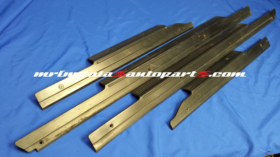 91-96 Caprice 94-96 Impala SS Sill Plates Outer BLACK
