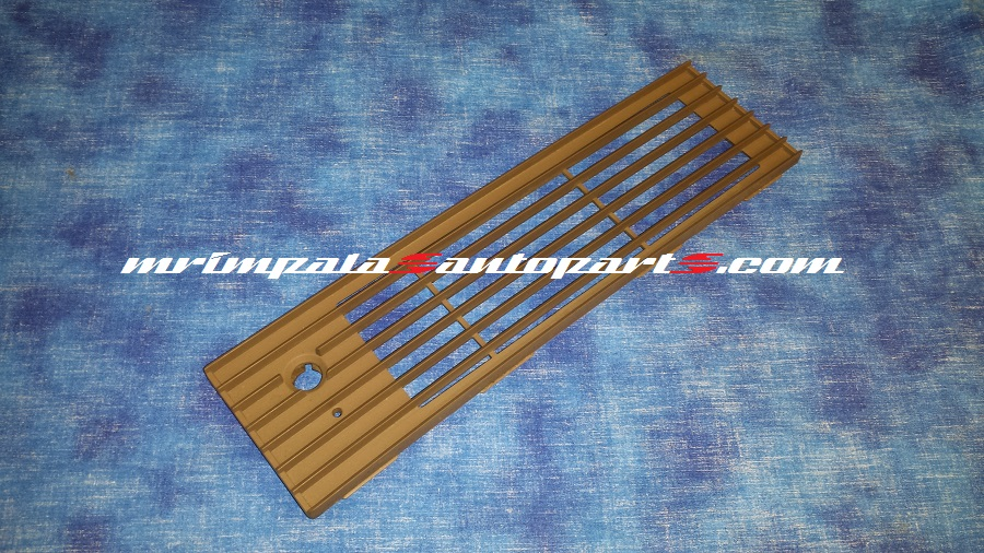 94-96 Buick Roadmaster Defroster vent grille TAN