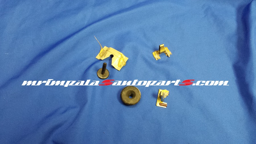 94-96 Impala SS Caprice Quarter Glass Moulding Clips
